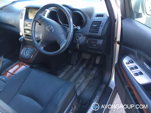 Used 2004 Toyota Harrier for Sale in Japan #13640