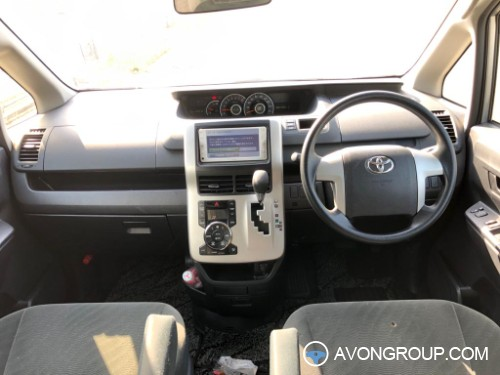 Used 2013 Toyota NOAH for Sale in Japan #14312